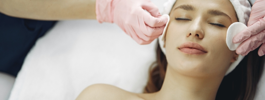 relaxing deep cleansing facial